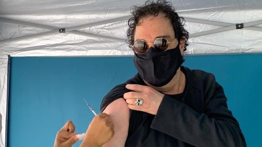 Casagrande recebe dose de vacina contra o coronavírus em São Paulo - Reprodução/Instagram