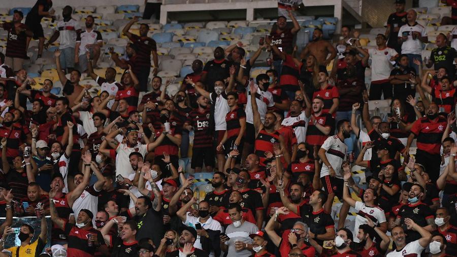 Torcedores do Flamengo no duelo contra o Grêmio pelas  quartas de final da Copa do Brasil 2021, no Maracanã - ALEXANDRE BRUM/ESTADÃO CONTEÚDO