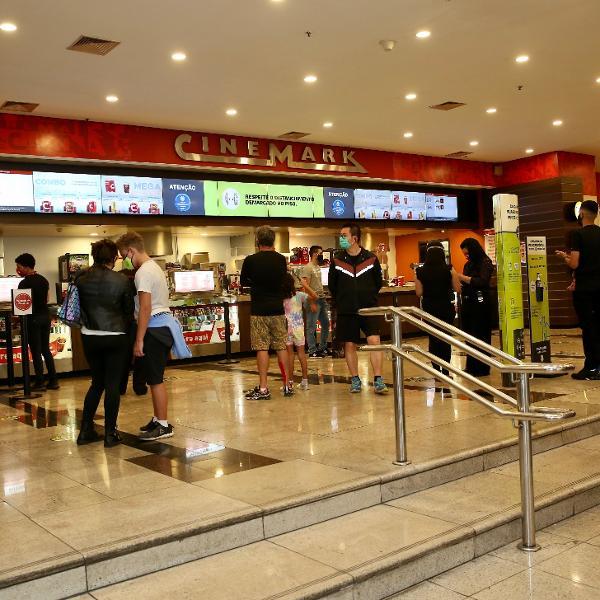 Cinemas reabrem em SP