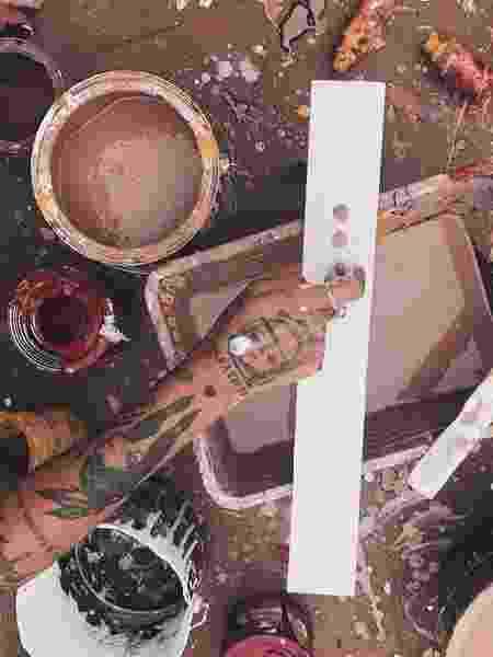 Hanna pintando - Reprodução/Instagram - Reprodução/Instagram