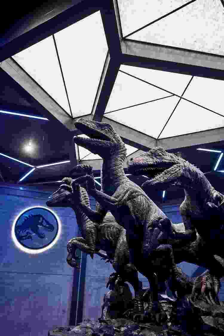 Os Velociraptos do filme também fazem parte da nova experiência - Divulgação - Divulgação
