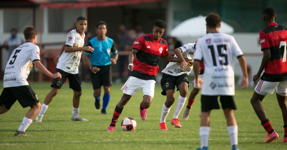 O próximo jogo da molecada será no domingo (30), às 09h, contra a Portuguesa no Estádio Luso-Brasileiro.
