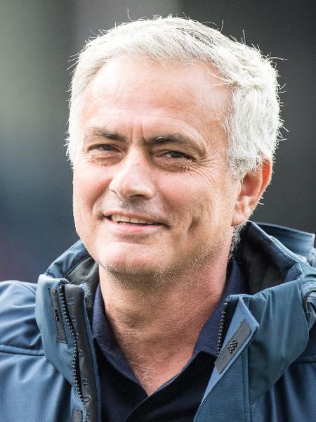 """José Mourinho foi anunciado como colunista especial do """"The Sun"""" para a Eurocopa - Sebastian Frej/Getty Images"""