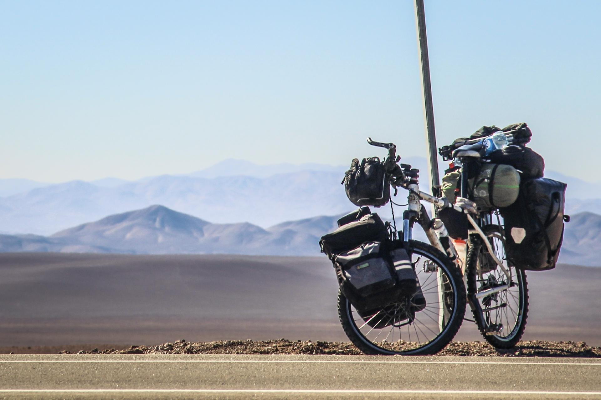 Betto y su bicicleta - archivo personal