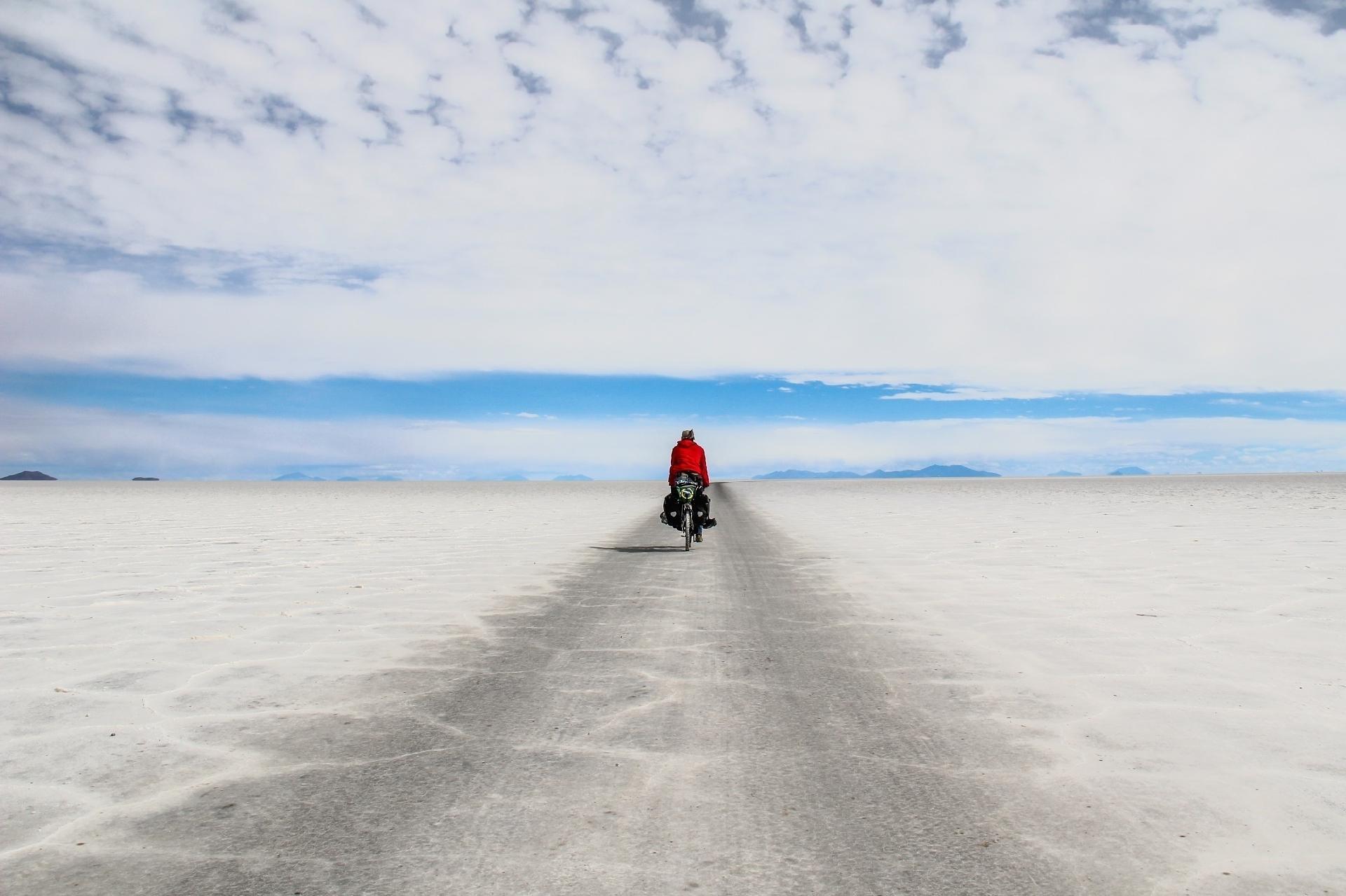 Ciclismo en el Salar de Uni - Archivo personal