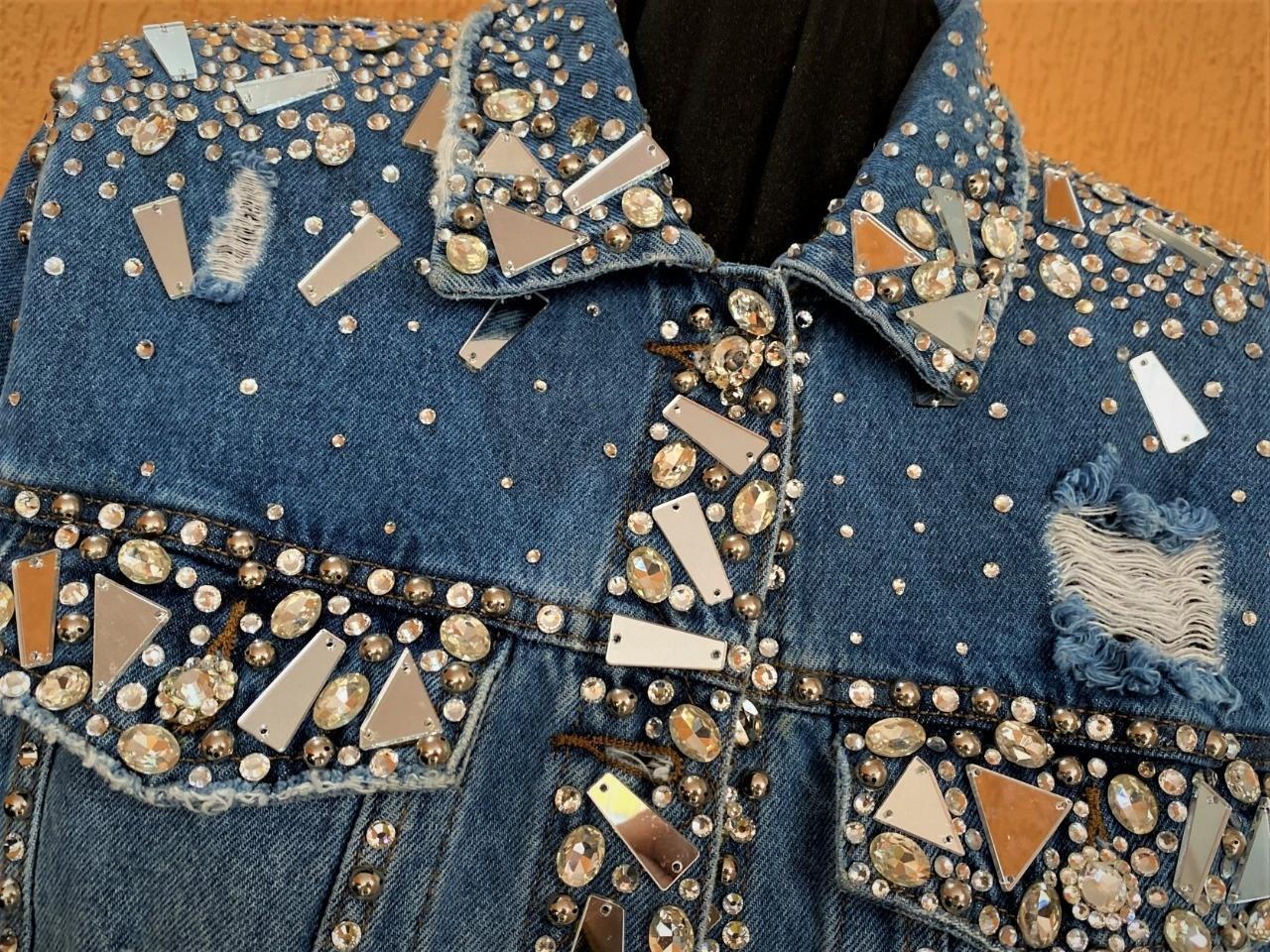Jaqueta jeans da marca Michelly X - Divulgação