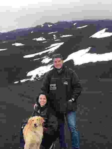 Lilo, Talita e Rennan ao lado do Etna, na Sicília - Arquivo pessoal - Arquivo pessoal