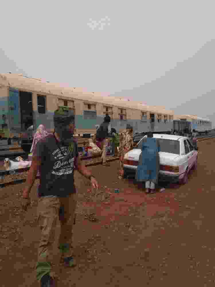 Zouérat, onde os viajantes aguardavam o trem da Mauritânia para embarcar nos vagões de ferro - Arquivo pessoal - Arquivo pessoal