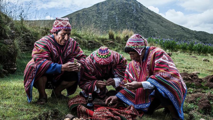 Ritual em homenagem à Pachamama - Mountain Lodges of Peru/Divulgação