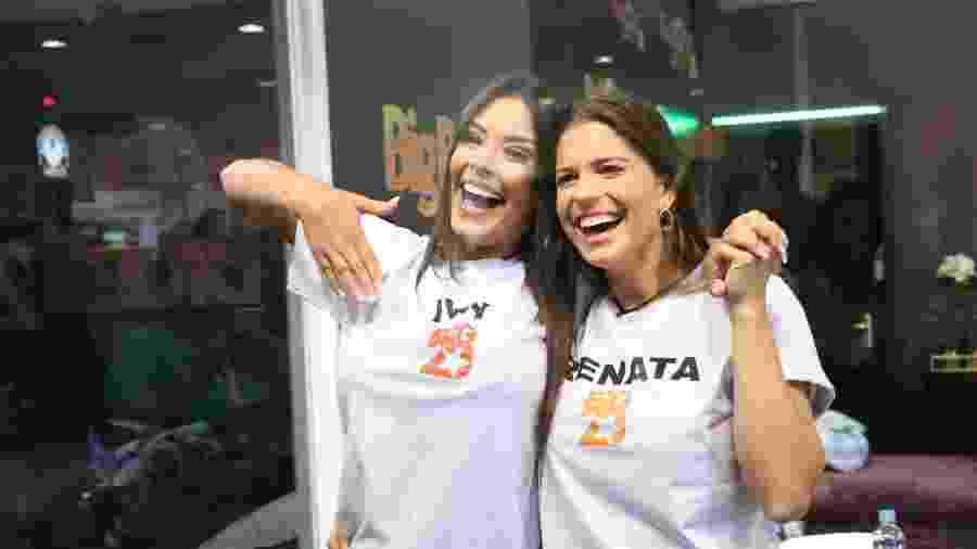 Ivy e Renata posam juntas na Casa de Vidro do BBB20 - Beatriz Damy / AgNews