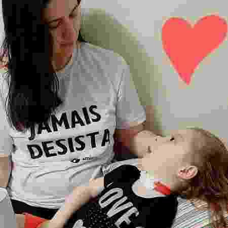 Cinthia Arias, mãe da Luísa que teve lesão cerebral - Reprodução/Instagram/@ameninadosolhosdeluz - Reprodução/Instagram/@ameninadosolhosdeluz