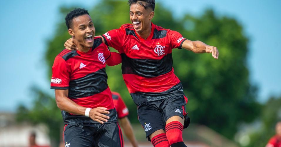Com gols de Lázaro e Thiaguinho, o time rubro-negro venceu e chegou ao segundo lugar na tabela, com nove pontos.