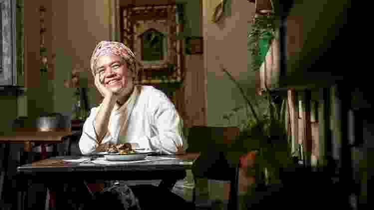 Na pandemia, Tânea trabalha em todas as frentes de seu restaurante - Keiny Andrade/UOL - Keiny Andrade/UOL