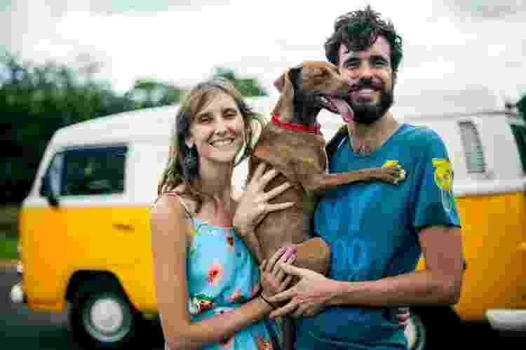 O casal e sua cadelinha Carica - Arquivo pessoal - Arquivo pessoal