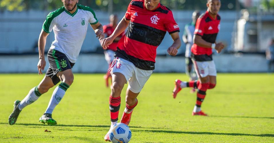 Estreando, pelo Campeonato Brasileiro, o Flamengo Sub-20 encarou o América-MG, ontem (24).