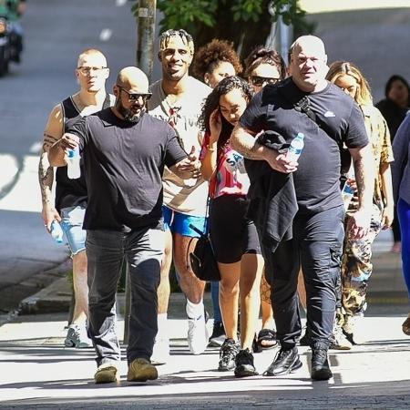 Integrantes do Little Mix passeiam na Avenida Paulista em São Paulo - Marcello Sá Barretto/AgNews