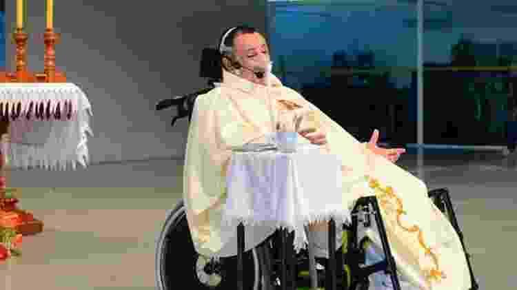 Padre Márlon Múcio tem doença genética rara - Arquivo pessoal - Arquivo pessoal
