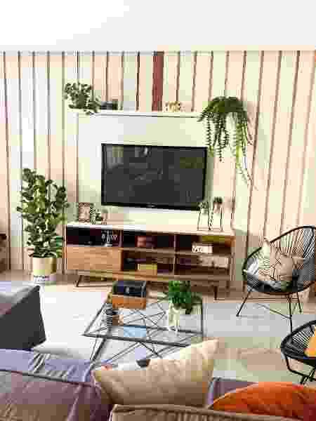 A sala da casa dos pais de Dani Toledo - Divulgação - Divulgação