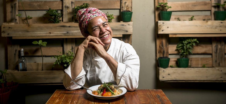 Arroz de suã, receita passada de avó para neta, é um sucesso no paladar e no restaurante de Tânea Romão - Keiny Andrade/UOL