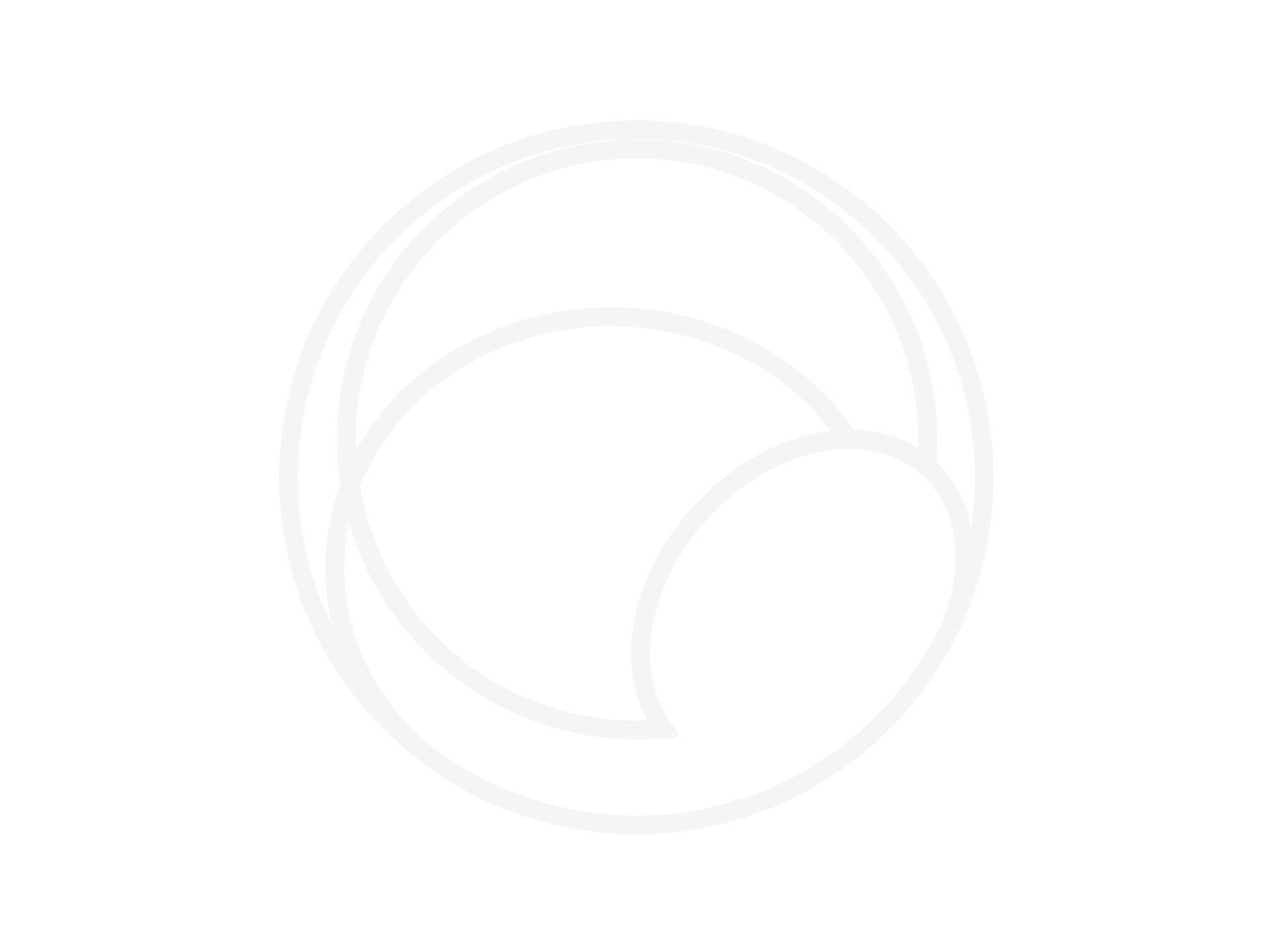 24.mar.2020 - Profissionais de saúde atentem o público em tenda colocada na parte externa da Clínica da Família da Rocinha para evitar disseminação do novo coronavírus - Herculano Barreto Filho/UOL