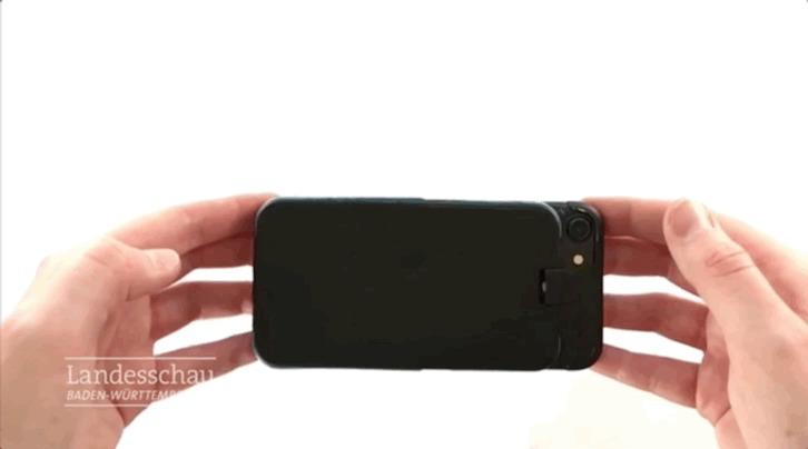 O case criado por um engenheiro da Universidade de Aalen se abre para evitar danos ao celular