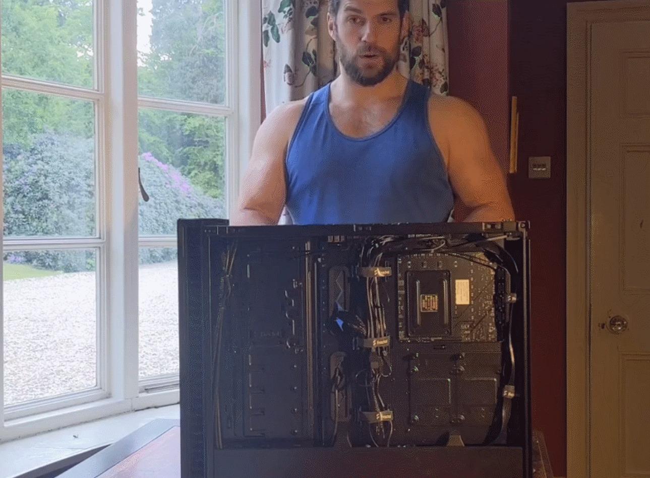 Henry Cavil PC Desmonta