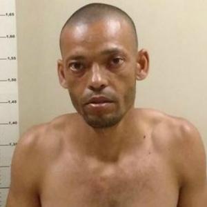 Renato Mariano, 37, está foragido da Justiça