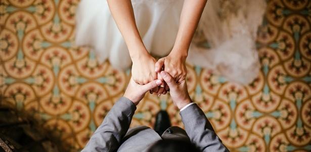 Casal canadense terá o casamento bancado por patrocinadores; smoking de noivo terá espaço para logomarca de empresa