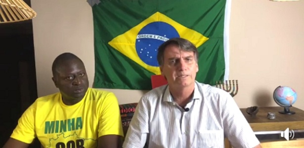 Hélio Lopes (PSL-RJ), conhecido como Hélio Negão, e Bolsonaro fazem live no Facebook