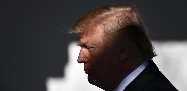 Paralisação ocorre no dia em que Donald Trump completa 1 ano à frente da Casa Branca