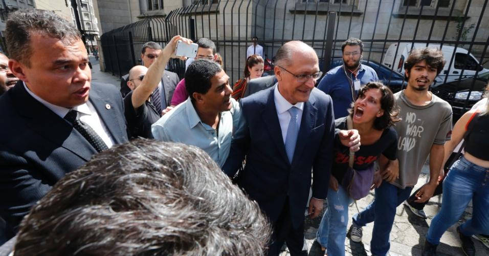 Geraldo Alckmin é hostilizado em missa em homenagem ao aniversário de São Paulo
