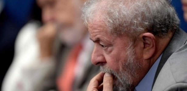 Em comunicado, equipe de Lula diz que o ex-presidente sempre respeitou a lei - AFP