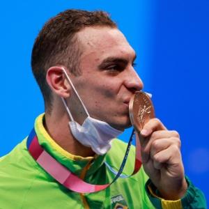 Pelas beiradas | Scheffer leva bronze após passar 3 meses sem piscina para treinar