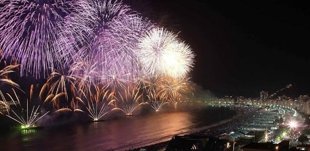 Queima de fogos na praia de Copacabana no Réveillon de 2016