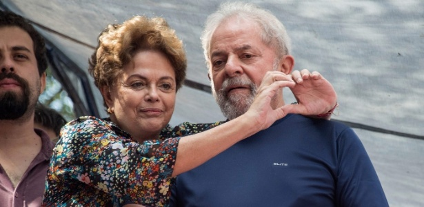 Dilma esteve com Lula em missa no dia em que o ex-presidente se entregou à PF - Nelson Almeida - 7.abr.2018/AFP