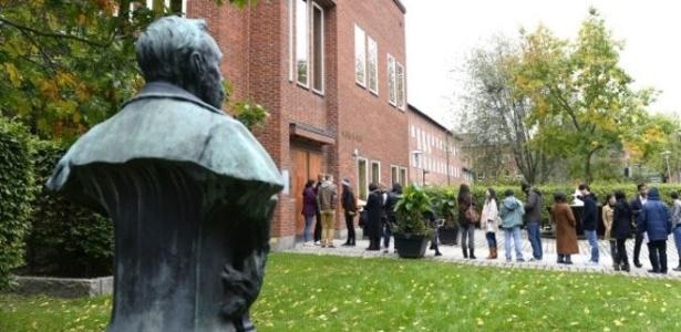A Assembleia do Nobel é formada por 50 professorers do Instituto Karolinska que elegem o Nobel de Medicina - BBC