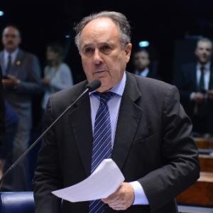 O senador Cristovam Buarque (PPS-DF) durante sessão no Senado
