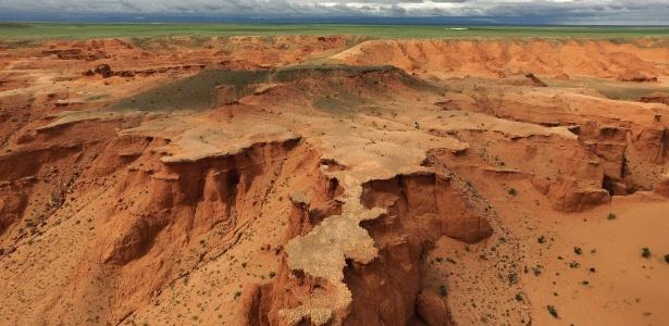 Mongólia tem mais de 7 vezes o tamanho do Reino Unido, com só 2% de suas estradas