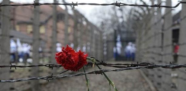 Em Auschwitz-Birkenau, mais de 900 mil judeus foram assassinados