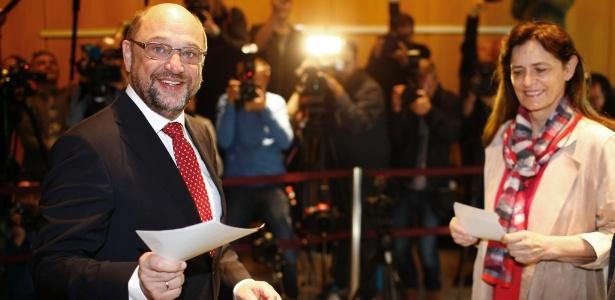 O candidato social-democrata Martin Schulz vota na manhã deste domingo