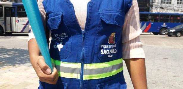 Agente comunitária de saúde da Estratégia Saúde da Família durante atendimentos na região de Pinheiros, zona oeste de São Paulo