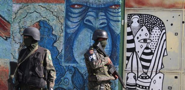 Na sexta (6), militares participaram de operação no Morro dos Macacos, favela chefiada por aliado do traficante Nem da Rocinha