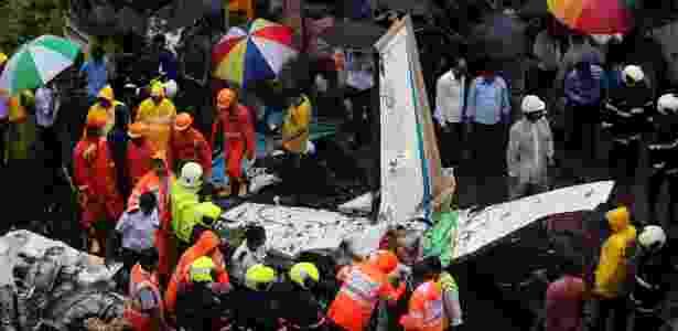 28.jun.2018 - Acidente com avião particular mata cinco pessoas em Mumbai, na Índia - REUTERS/Francis Mascarenhas  - REUTERS/Francis Mascarenhas
