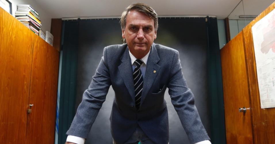 22.mar.2017 - Retrato do deputado federal Jair Bolsonaro (PSC-RJ) na Câmara dos Deputados em Brasília