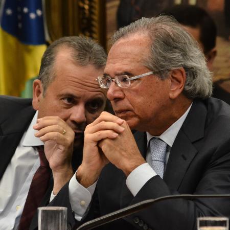O ministro Rogério Marinho (à esq.) e o ministro da Economia, Paulo Guedes,  - Renato Costa/Framephoto/Estadão Conteúdo