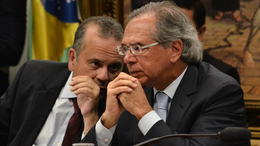 O ministro do Desenvolvimento Regional, Rogério Marinho (à esq.) e o ministro da Economia, Paulo Guedes - Renato Costa/Framephoto/Estadão Conteúdo