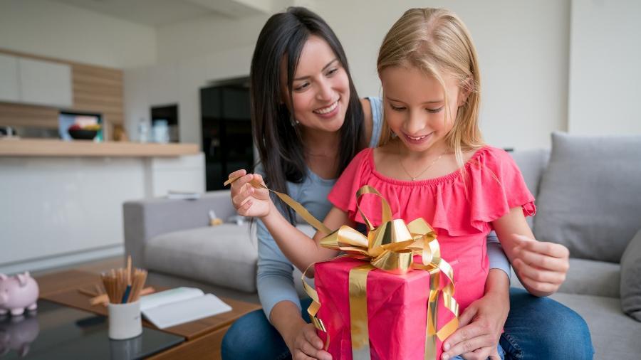 Presente para crianças de 4 a 7 anos de idade - Getty Images