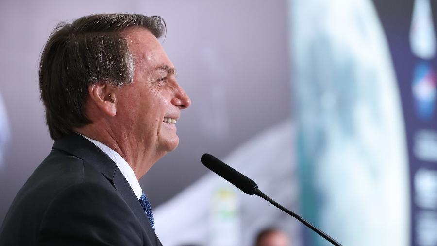 Bolsonaro tem sido convencido a acabar com abono salarial - Marcos Corrêa/PR