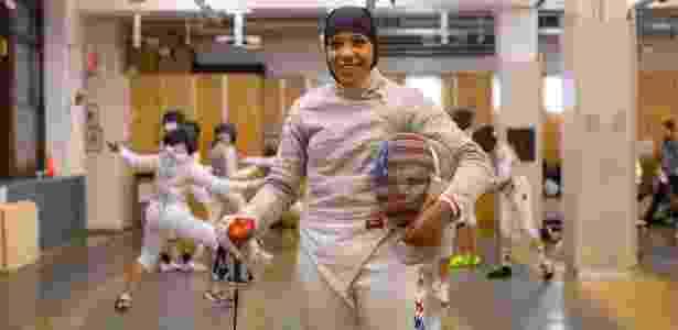 Ibtihaj Muhammad, esgrimista muçulmana dos eua que vai competir nos Jogos do Rio - Hiroko Masuike/The New York Times
