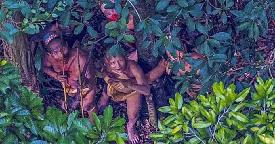 """18.dez.2016 - O sertanista José Carlos Meirelles comemorou o fato de ter encontrado a tribo em boas condições, mas que """"ninguém sabe até quando"""". Um dos riscos é o avanço do desmatamento"""